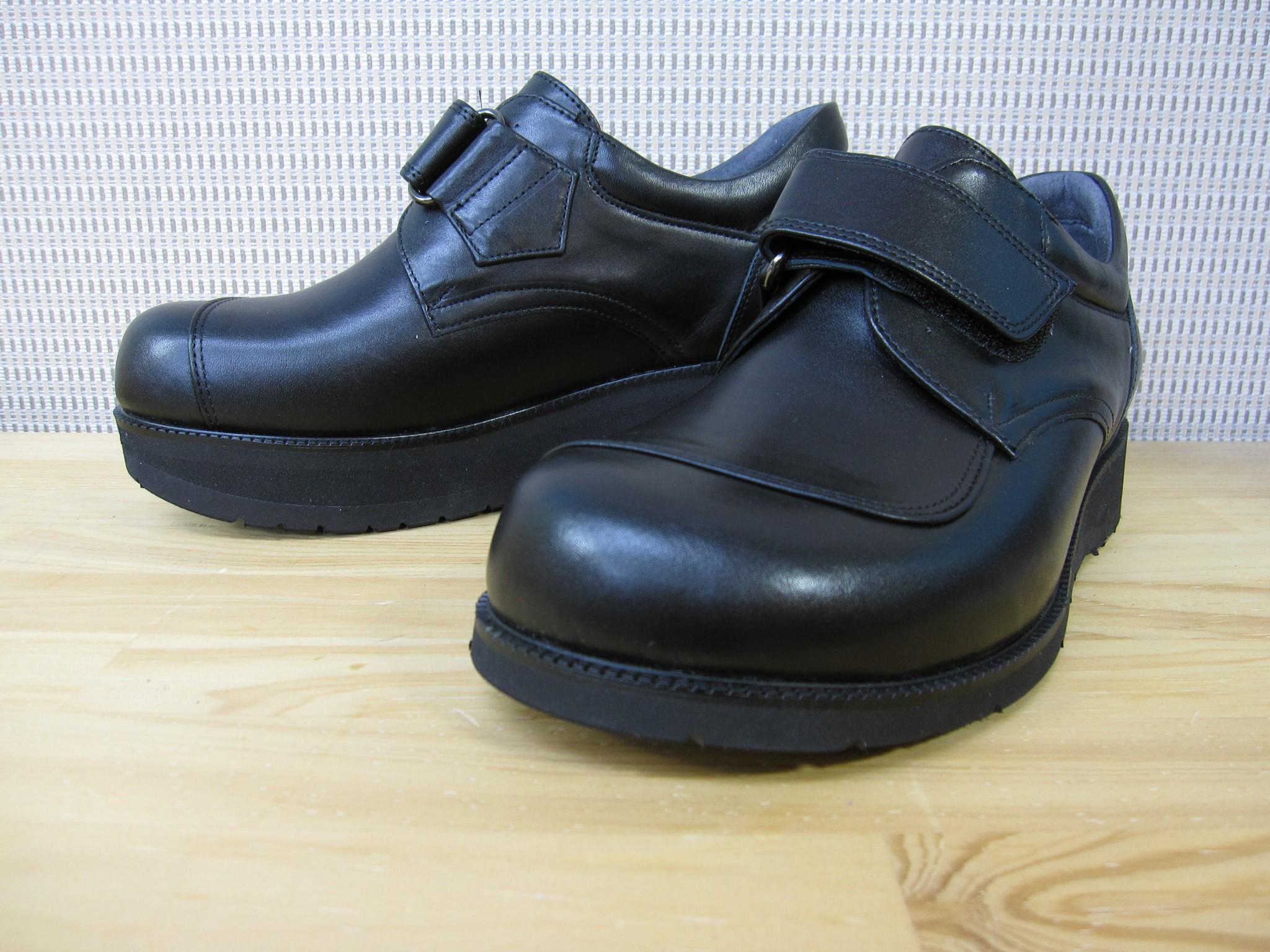 股関節変形症の方の脚長差補正用の靴