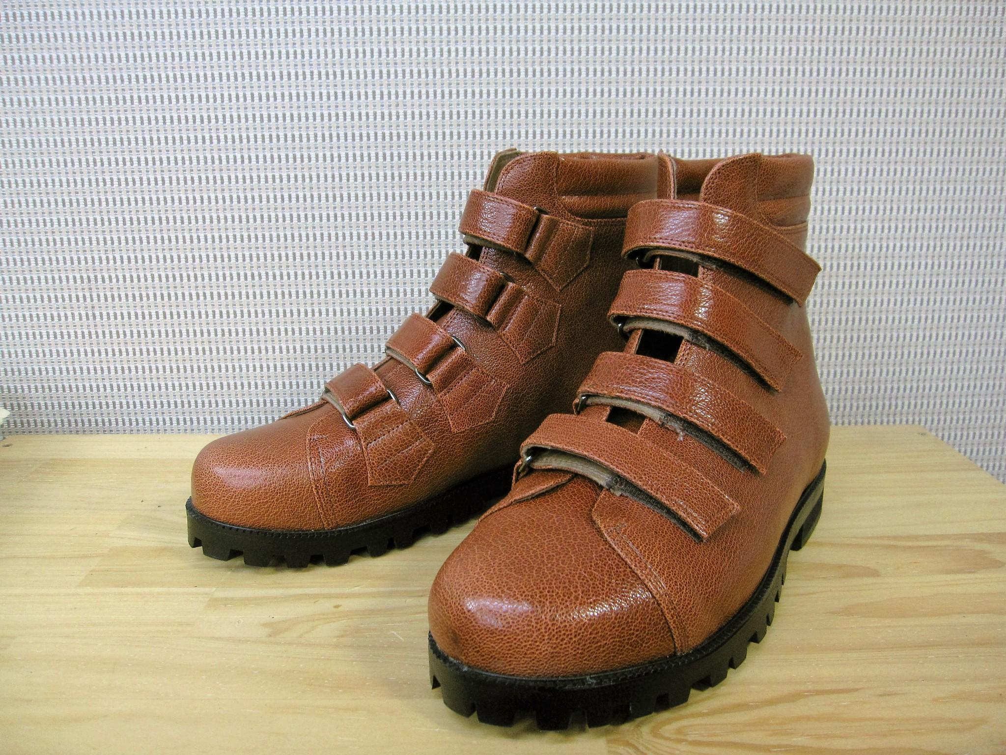 脳性小児麻痺の方用靴 オーダーメイドシューズ