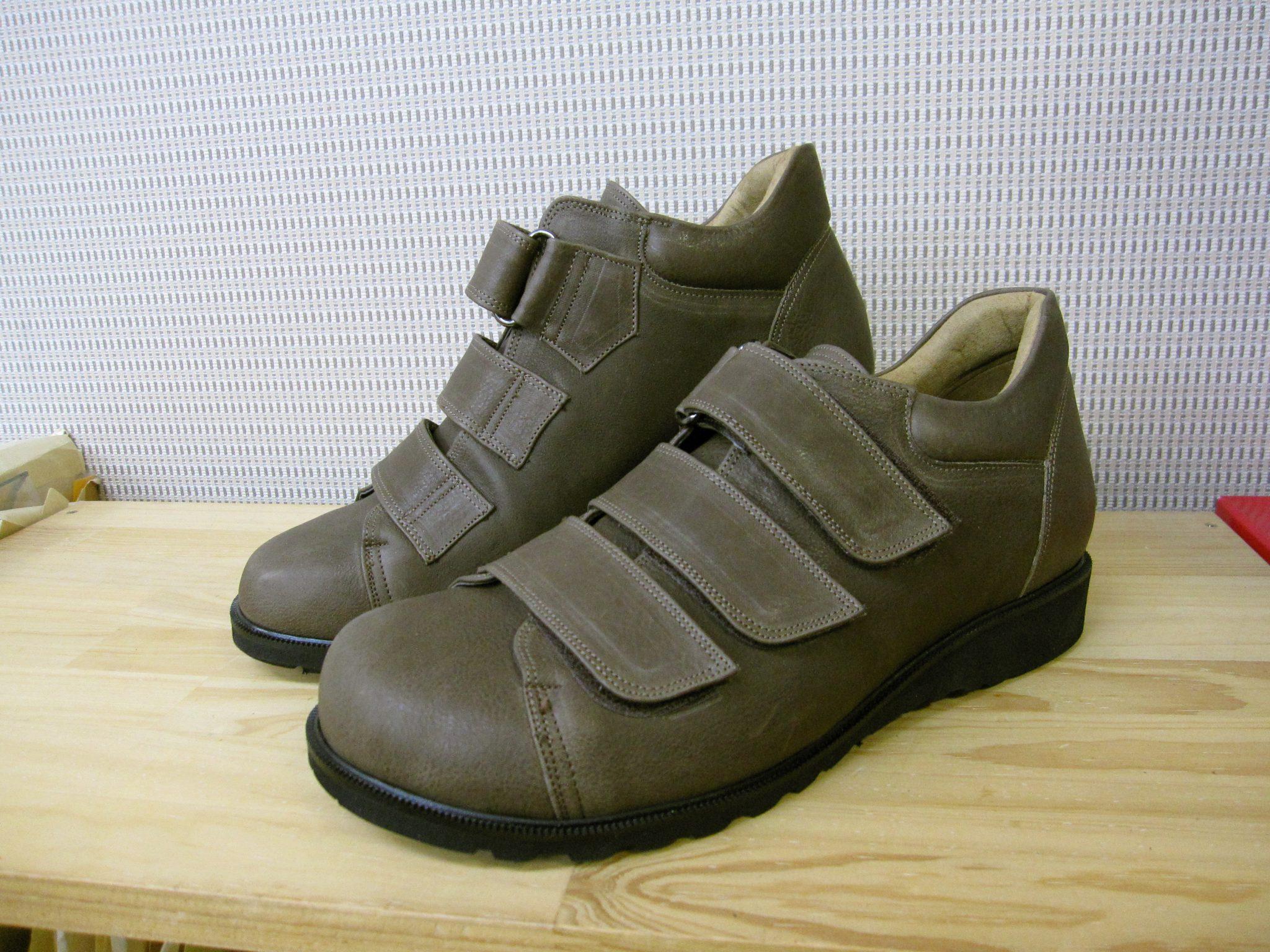 小児麻痺の方の足にやさしい靴・オーダーメイドシューズ