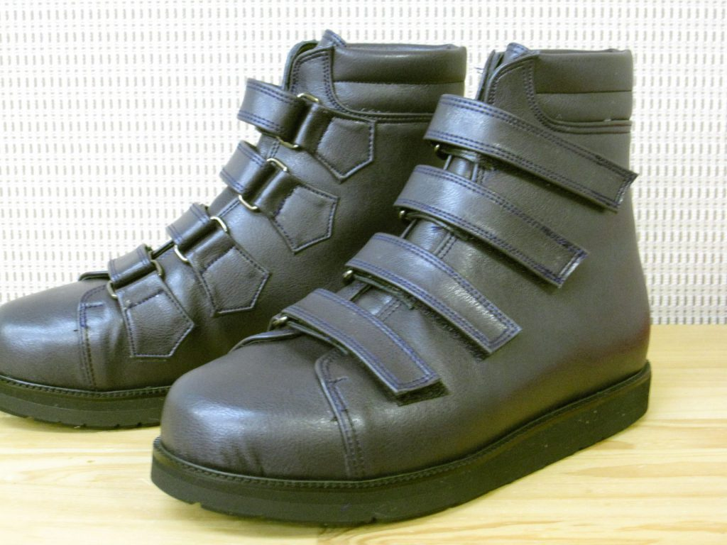新型コロナウイルスと戦う看護師さんのための足にやさしい靴・オーダーメイドシューズシャルコー・マリー・トゥース病の方にやさしい靴・オーダーメイドシューズ脳血管障害・脳梗塞の方にやさしい靴・オーダーメイドシューズリンパ浮腫でお悩みの方の足にやさしい靴・オーダーメイドシューズ関節リウマチでお悩みの方の足にやさしい靴・オーダーメイドシューズ脚長差補正靴・既製品の底上げ加工サービス年末年始の営業日のお知らせです脚長差補正靴・既製品の底上げ加工サービスレザーのスマートフォンケース変形性股関節症の方の足にやさしいチョットしたサービス